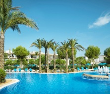 Pool und bar hotel Es Sivinar