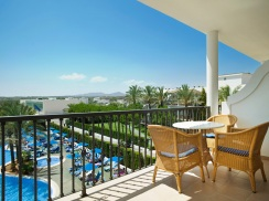 1 bedroom apartment with swimming pool view  es sivinar hotel