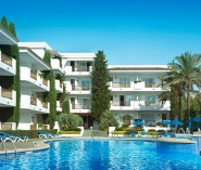 Esmeralda Garden aparthotel swimming pools