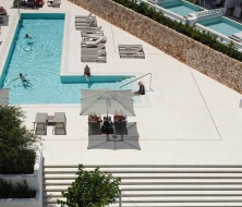 Swimming pool hotel cala esmeralda