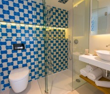 inturotel emeralda villas premium bathroom